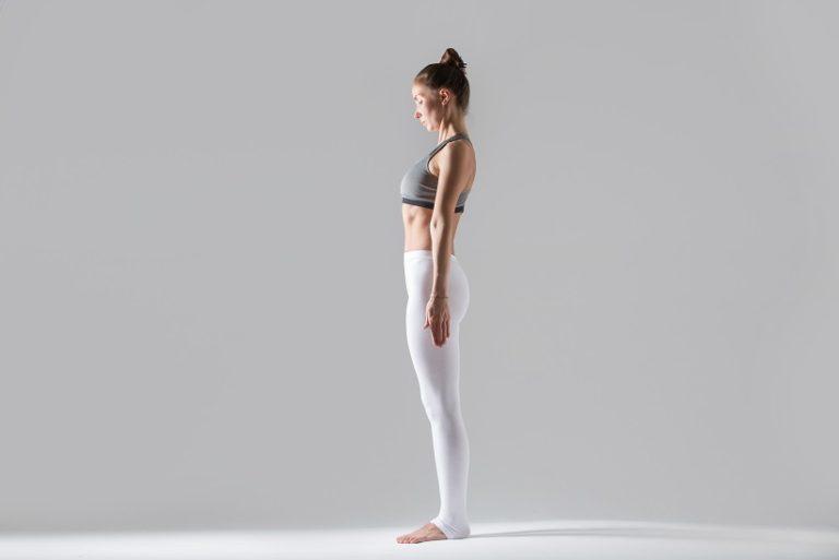 Kobieta jest oceniana posturalnie w pozycji stojącej. Ocenie podlegają wszystkie płaszczyzny. Po ocenie pionowej może zostać zastosowany masaż leczniczy katowice jako terapia przywracjąca prawidłową postawę ciała.