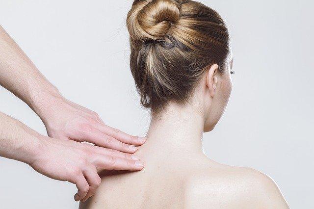 Badanie koniuszkami palców odcinka szyjnego przeprowadza dobry fizjoterapeuta katowice. Jego zadaniem jest ocenić z jakim problemem w układzie stawowo-mięśniowym mamy do czynienia.