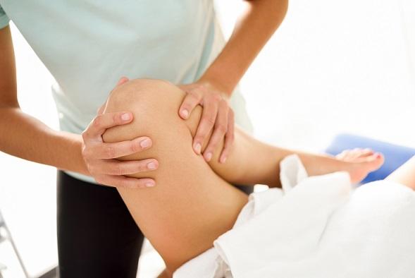 Pacjentka przedstawiona na zgięciu wykazuje konkretne objawy bólowe o charakterze ginekologicznym oraz urologicznym. Objawy te zostaną usunięte poprzez wykorzystanie zabiegów określanych jako Masaże Lecznicze Katowice. Poprzez rozgrzanie tkanki mięśniowej dojdzie do redukcji bólu i odczucia znacznego komfortu w ciele.